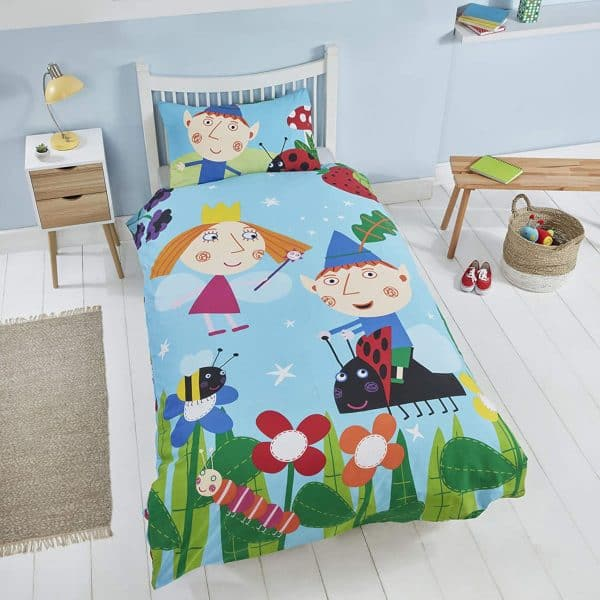 Shows The Front Of The Ben And Holly In The Woods Single Duvet Cover